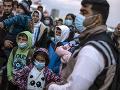 KORONAVÍRUS Grécko predĺžilo obmedzenia pohybu v táboroch pre migrantov