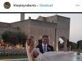 Hayley Roberts a David Hasslhoff na záberoch zo svadby.