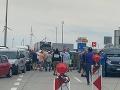 Kritická situácia na priechode v Jarovciach: Repatrianti blokujú hranice, Matovič reaguje
