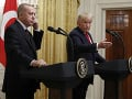 Erdogan a Trump spolu telefonovali: Hovorili o situácii v Líbyi a Sýrii