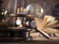 Termín procesu v kauze vrážd starčekov vo Vinosadoch vytýčený nie je