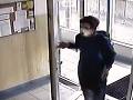 Hororové VIDEO: Zvrhlík sledoval 11-ročné dievča až do domu, vo výťahu ho zneužil