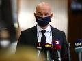 Zmeny pri obedoch a vlakoch zadarmo sú na debatu v koalícii, tvrdí minister Gröhling
