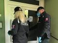 KORONAVÍRUS Polícia kontrolovala repatriantov, či dodržujú karanténu