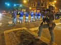 FOTO Protesty a nepokoje v USA naberajú na sile: Zaskočená polícia, Trumpa presunuli do bunkra
