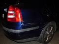 FOTO Alkohol za volant nepatrí: Polícia zadržala vodiča, ktorý pri cúvaní nabúral
