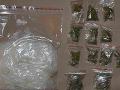 FOTO Protidrogová akcia pri Bratislave: Polícia zaistila marihuanu a pervitín za 45-tisíc