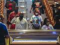 Demokrati v USA si uctili Floydovu pamiatku: Francúzsko tiež reaguje na tragédiu