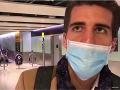 Chorý Švajčiar po prílete do Londýna neveril vlastným ušiam: VIDEO Nikto vám to nepovedal?!