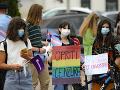 Demonštranti v Rumunsku protestujú proti zákonu o zákaze výučby rodových štúdií