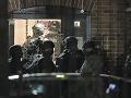 VIDEO Masaker v anglickom Readingu: Po útoku v parku hlásia tri obete, na internete sa šíria mrazivé zábery