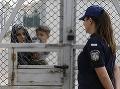 Do cieľa sa nedostali: Slovinská polícia našla 22 migrantov v dvoch cisternových vozidlách