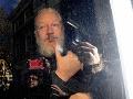 Britský súd rozhodol: Prepustenie Assangea na kauciu sa nekoná