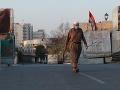 Iracký premiér varoval bezpečnostné zložky: Nesmiete strieľať do demonštrantov, odkázal im
