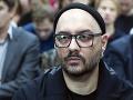 Režisér Serebrennikov zložil zbrane: