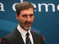 Kauza diplomovej práce paralyzuje parlament aj vládu, tvrdí Juraj Blanár