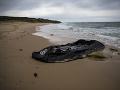 Belgická pobrežná stráž zachránila 15 migrantov: Nafukovací čln sa začal potápať