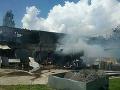 Horel autoservis a pneuservis v Kysuckom Novom Meste: FOTO Zasahovali až tri desiatky hasičov
