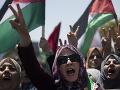 FOTO Desaťtisíce Palestínčanov vyšli do ulíc: Protestovali proti Trumpovi a anexii