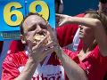 Tohto sú schopní len Američania! Muž (36) vytvoril rekord v jedení hotdogov, to číslo je desivé
