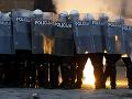V srbských uliciach vládne PEKLO! Demonštranti zaútočili na vládu i prezidenta: Dôvodom je KORONAVÍRUS