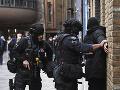 Britská polícia zatkla štyroch mužov podozrivých z plánovania teroristických útokov