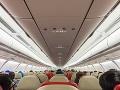 Lietadlo muselo neplánovane pristáť: Polícia zadržala dvoch podozrivých mužov