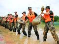 Pri záplavách v Číne