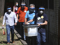 V Macedónsku sa začali trojdňové predčasné parlamentné voľby: KORONAVÍRUS ich nezastavil
