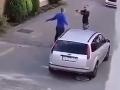 Dráma za bieleho dňa v Prievidzi: VIDEO Zabi ma, kričal jeden z mužov! Druhý na neho mieril zbraňou