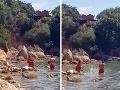 Dovolenková nočná mora! VIDEO Muž na chorvátskom Rabe napáda turistov a huláka na nich cez megafón