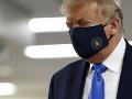 KORONAVÍRUS Trump otočil: Američanov žiada, aby nosili rúška, ak nie je možné dodržať odstup