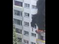 Dom vo Francúzsku zachvátili plamene: Dve deti vyskočili pri požiari z okna
