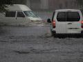 Záplavy v Alžírsku si vyžiadali sedem obetí:  Traja ľudia sú stále nezvestní