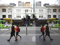 KORONAVÍRUS úraduje aj v Melbourne, mesto zaviedlo povinné nosenie rúška na verejnosti