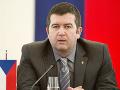 KORONAVÍRUS Český minister vnútra Hamáček vyzval ľudí, aby vo vnútri dobrovoľne nosili rúška