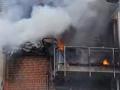 VIDEO Pohroma v západnom Nemecku: Pád lietadla na bytový dom, traja ľudia neprežili!