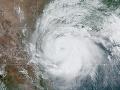 VIDEO Na Texas udrel prvý hurikán tohtoročnej sezóny: Meteorológovia varovali pred dažďom a záplavami