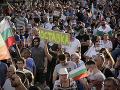 Protivládne protesty otriasajú Bulharskom: V Sofii zablokovali demonštranti hlavné ťahy a ulice
