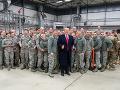 Najväčšie sťahovanie armády od druhej svetovej vojny: Kritici hovoria o darčeku Putinovi a zrade
