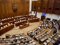 Koalícia považuje skrátené konanie za oprávnené: Opozícia sa obáva zneužitia