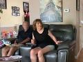 VIDEO Mladík pred rodičmi tajil obrovskú novinu: Vošiel do obývačky, jeho mama dostala šok
