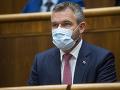 KORONAVÍRUS Pellegrini apeluje na vládu i verejnosť: Poukázal na vládnuci chaos
