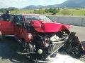 Pri nehode sa zrazilo osobné auto s cestárskym vozidlom.