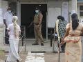 FOTO Na Srí Lanke sa konali parlamentné voľby: Vyhrala vládnúca strana premiéra Rádžapaksu