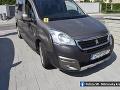 Záchranné zložky boli dnes dopoludnia vyslané do obce Nemčice v topoľčianskom okrese, kde došlo k zrážke osobného auta a odrážadla,  na ktorom sa viezol trojročný chlapček.