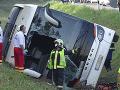 Tragédia v Maďarsku: Poľský autobus zišiel z cesty, nehoda si vyžiadala jednu obeť a 34 zranených