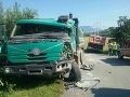Dve nákladné autá sa vzájomne zrazili
