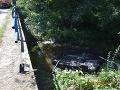 Desivé FOTO nehody na východe: Mladíka (21) prepadol mikrospánok, skončil na streche v potoku