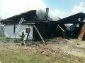FOTO Požiar v Mútnom: Hasiči zasahovali pomocou autonómnych dýchacích prístrojov
